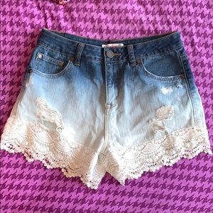 Ombré jean shorts with white lace trim